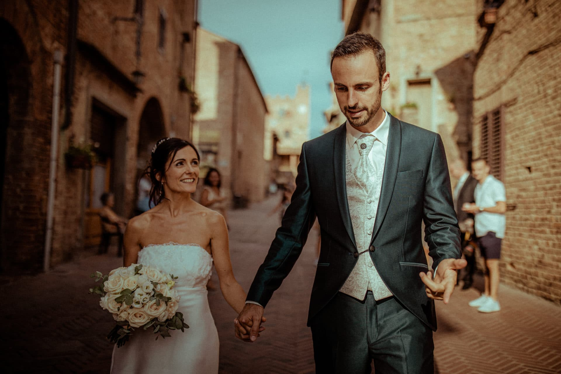 just married in tuscany - destination wedding photographer france