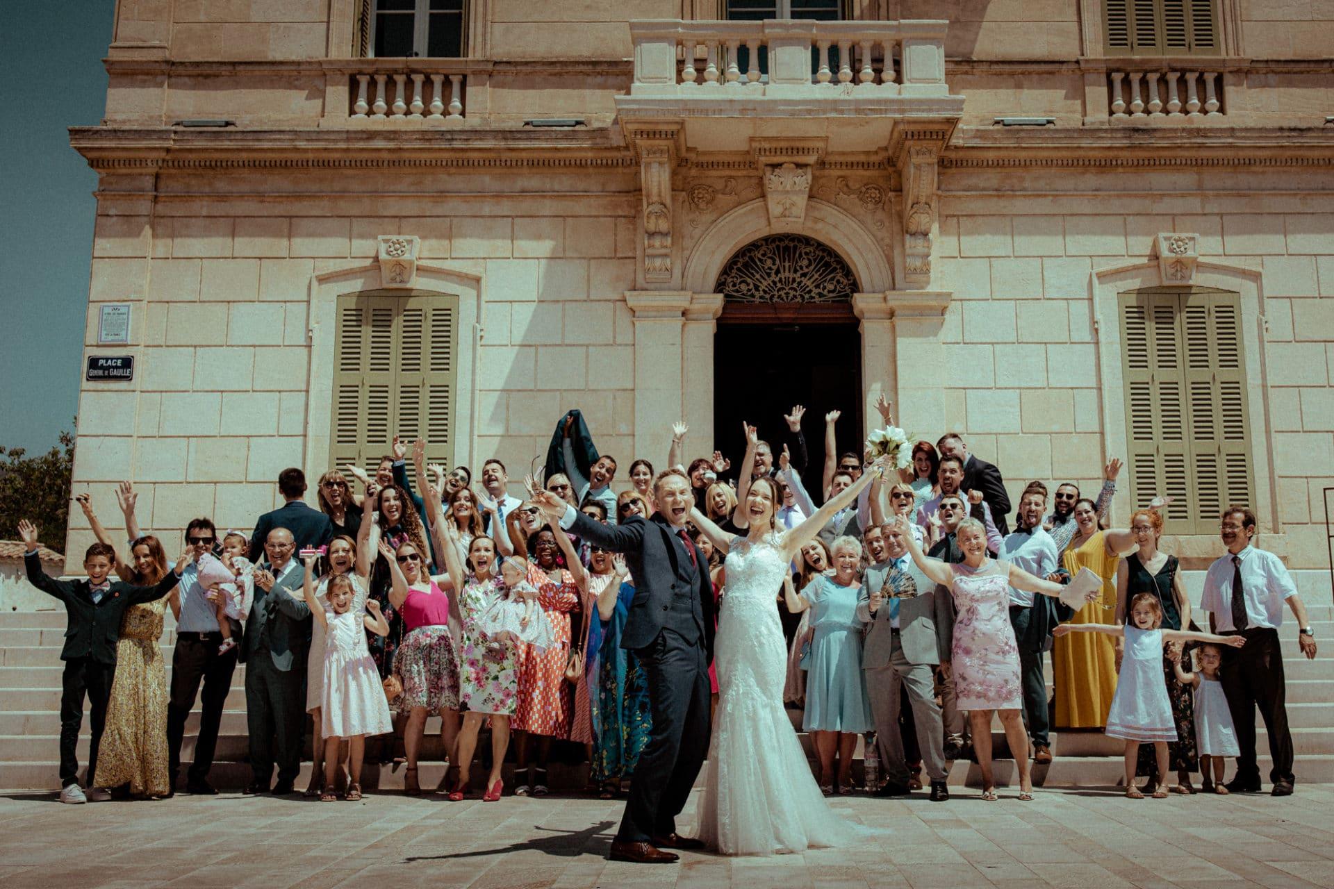 group photo - destination wedding photographer france