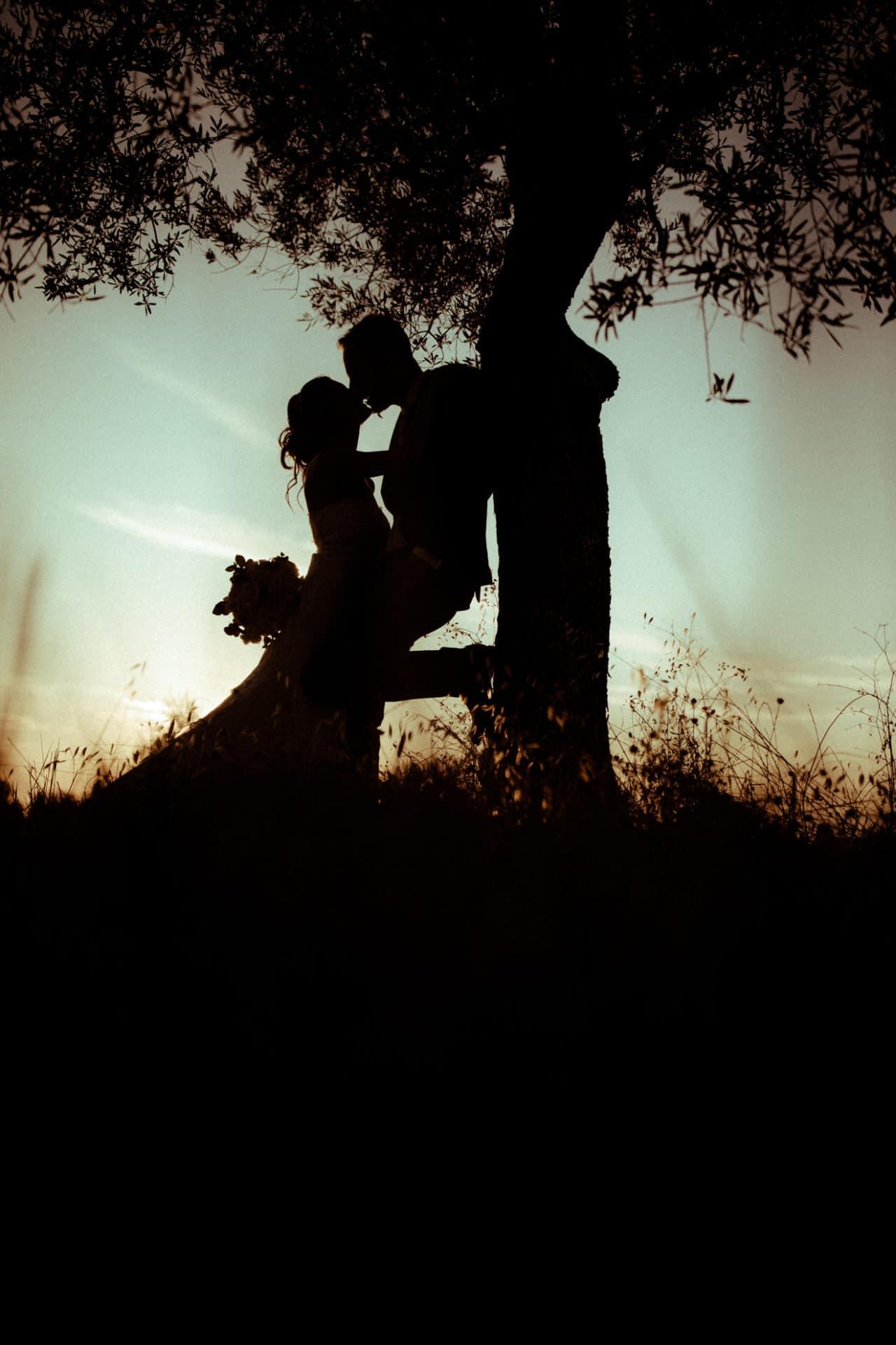 photographies de mariage contre jour