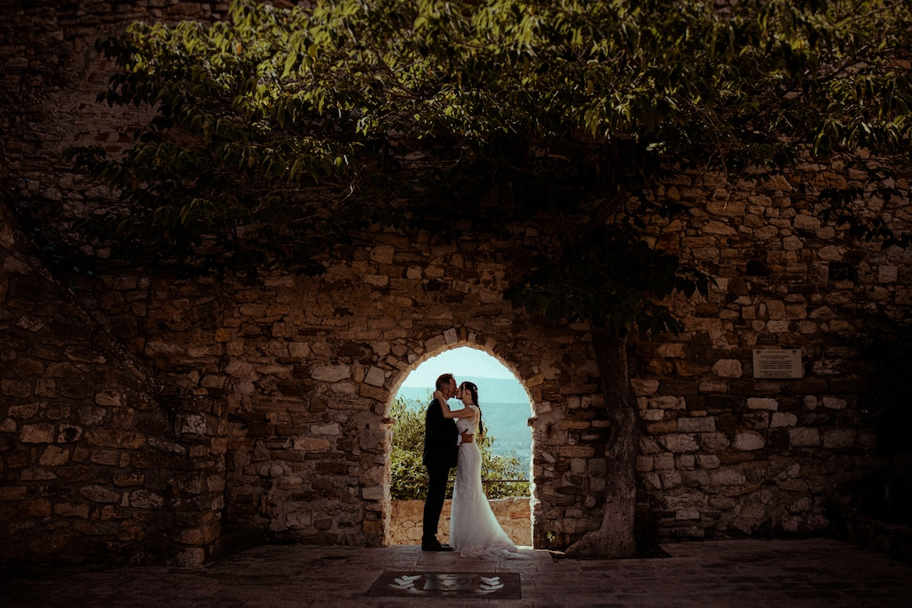 wedding photographer in paris france couple session