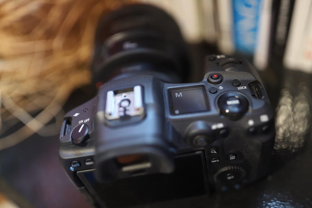 petit ecran lcd sur canon r5 pratique en photo de mariage