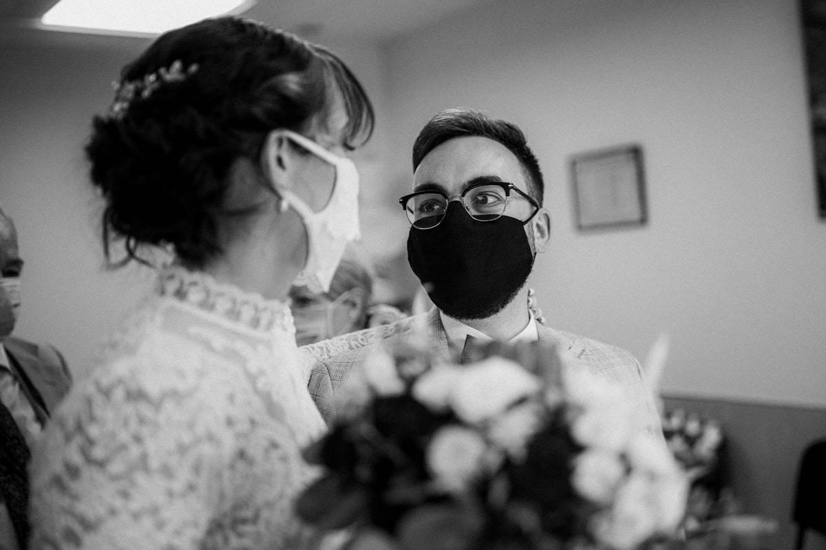mariage et covid : port du masque pour les maries