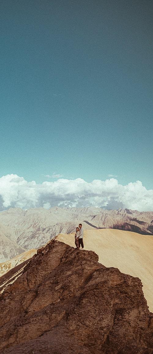 photo de couple dans les alpes par terence baelen photographe mariage reims