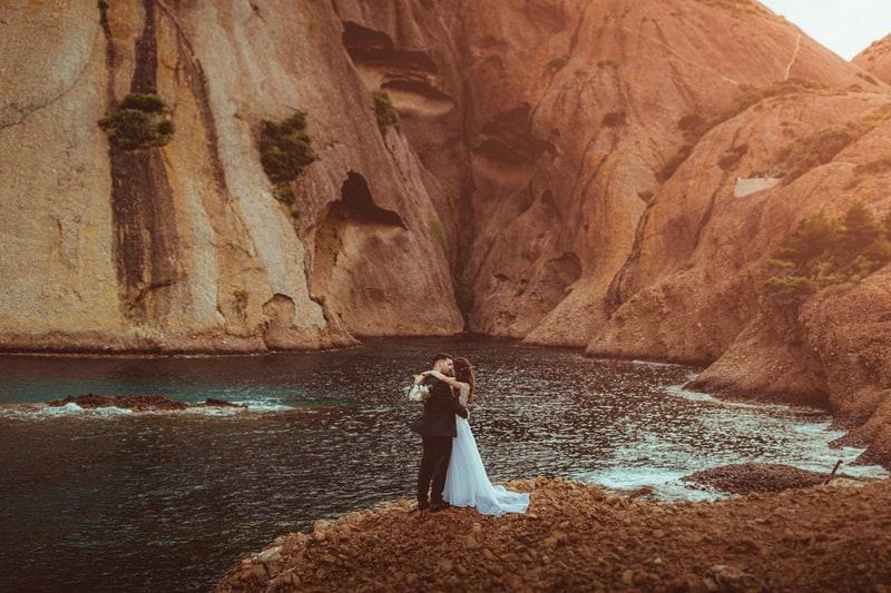 mariage calanques bord de mer par t. baelen photographe mariage cannes