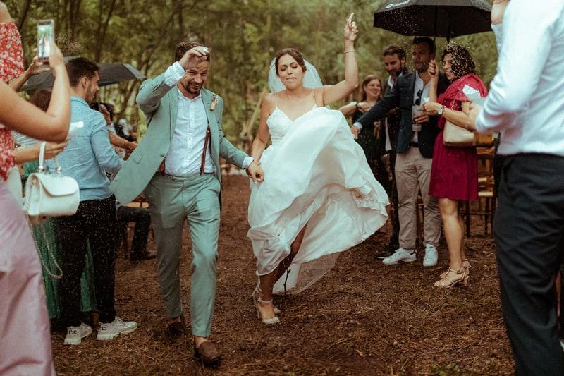 lance de riz mariés mariage cannes