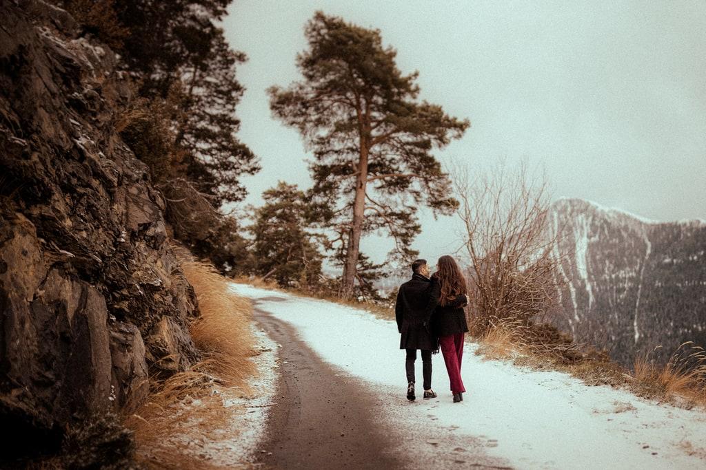 seance photo de couple a la neige